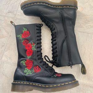 Dr. Martens 'Vonda' boots
